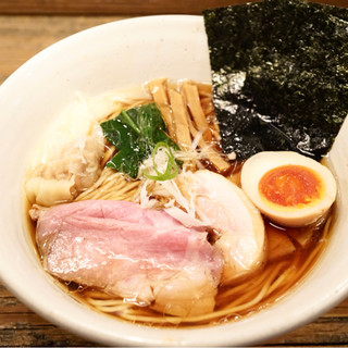 Homemade Ramen 麦苗 - 料理写真:特製醤油らあめん 990円