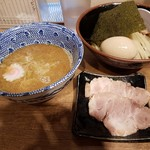 舎鈴 - 【2017/5】味玉つけ麺+肉増し