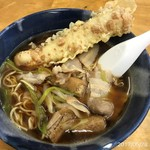 長命うどん - 料理写真:肉入り中華+ちくわ天