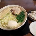 麺らいけん - 【2017/5】煮チャーシュー麺+味玉