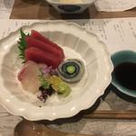 韻松亭 - 刺身三点盛り(タイ、マグロ、イカ)