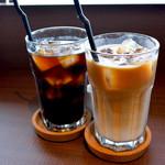 カフェ ルポ - アイスカフェオレとアイスコーヒー
