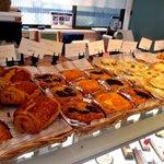 ジャンポール チェボー - 料理写真:種類豊富なパンもラインナップ!