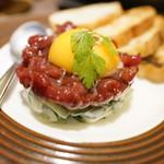 炭焼きイタリアン酒場 炭リッチ - 馬タルタルユッケ