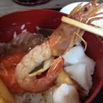 丼きっちん - 海鮮丼       デカイ海老さん