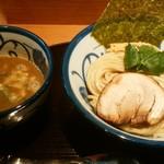 つけ麺 よし田 - つけ麺大盛、¥890+100。