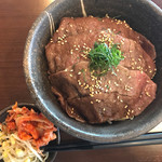 焼肉ワインバル mEat Esola 田町 -