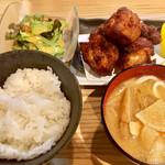 CHICKEN CREW - 鶏唐揚げ定食900円
