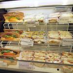 ラブズベーグル - サンドイッチも販売