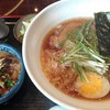 食堂楽 ひさご  - 料理写真:醤油ラーメンとミニ牛丼セット