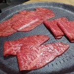 焼肉すどう - ◆お肉3種・・サーロイン・ランプ・イチボ。どれも美しい、期待が高まりますよ。