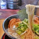天下ご麺 - 豚トロ霜降り麺(950円)