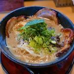 天下ご麺 - 料理写真:豚トロ霜降り麺(950円)