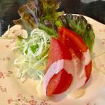 ぱんのみみ - 焼きカレーに付いたサラダ【料理】