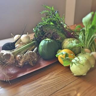 契約農家さんの有機無農薬野菜を使用してます。