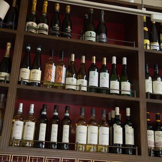 世界各国のワインが飲める目黒川沿いの一軒家レストラン。