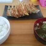 野菜餃子の佐藤 - 料理写真:餃子&ライス&味噌汁