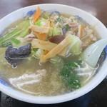 みつわ飯店 - 五目中華(¥600)あっさり塩スープ