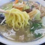 みつわ飯店 - 太麺です