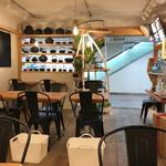 レインボウスパイス カフェチャイストール - 荷物用の籠があります