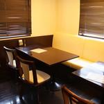 カトマンドゥカリーPUJA - テーブル席