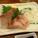 居酒屋市 - 「刺身盛り合わせ」(900円)