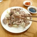 羊香味坊 - ラム肉と長ねぎ塩炒め