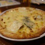 ピエーノ - ☆4種類のチーズのピッツァ(●^o^●)☆