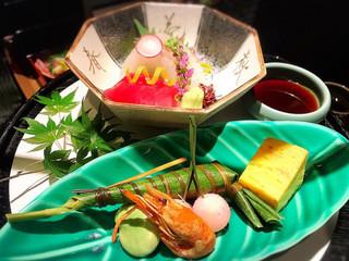 日本料理 大阪 浮橋 - 二種盛り あしらい一式