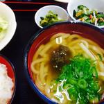 Tachibanaudon - 定食のうどん。             そばにも変更できます。