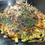 """Okonomiyakihayashi - 一面ブタイカ玉640円、もしかしたら""""モダン""""つけてたかも(2017.3.31)"""