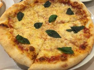 イルフォルノ ヴィーナスフォート店 - マルゲリータピザ チーズもちもち♪
