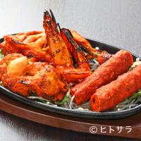 印度れすとらん カシミール - 複雑な味わいで癖になる! スパイシーな料理に手が止まらない