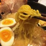 札幌らーめん 北一 - 麺はたまごちぢれ麺