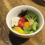 フレッシュチーズのお店 rocco - ランチ/ミニサラダ150円