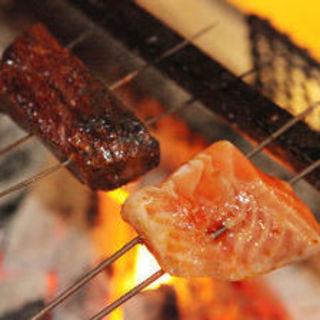 旬の食材を豪快に炭火焼きで