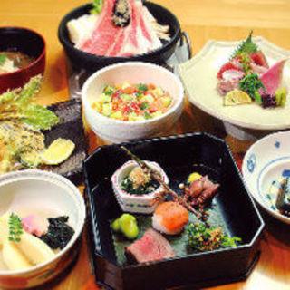 旬の食材を使用した料理を存分にご堪能いただける会席をご用意