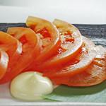 鶏料理専門店 みやま本舗 - トマトスライス