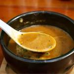 ラーメンめろう - 濃厚なトマトスープ