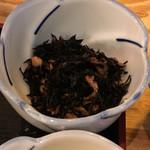 なかめのてっぺん - 小鉢のヒジキの煮物