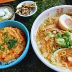 花ふじラーメン - ランチタイム限定 ラーメンとかきあげ丼のセット