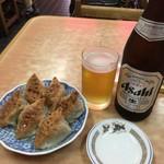中央亭 - 餃子6個とビール