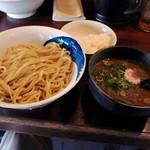 67791212 - 濃厚魚介つけ麺(850円)、つけ麺特盛(200円)(2017年4月)