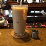 喫茶ドンドン - アイスミルクティー。