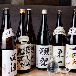 日本全国から厳選したこだわりの地酒は全40種ご用意!