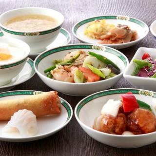 季節の素材を楽しむ四季の風情と、新しい趣を凝らした広東料理