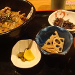 6780867 - 豚生姜焼き丼定食です。