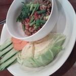 67809743 - 豚挽肉とトマトのディップ野菜添え