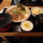 普通の食堂いわま - 生姜焼きとポテサラ定食