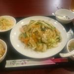 満州食府 - 料理写真:五目ヤキソバ定食@750